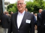 Si gusta l'aperitivo in giardino: Walter Hasler della Walter Hasler AG.