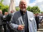 André Kunz di Chräbel-Garage e il presidente della sezione UPSA di Svitto.