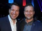 Marco Parroni, Head Global Sponsoring di Julius Bär, e il pilota Fredy Barth.