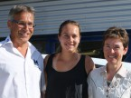 Stefanie Vögele (centro) con Christian e Regula Müller.